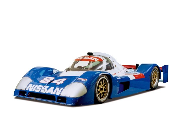 The Nissan P35 with its double deck rear wing as tested initially.