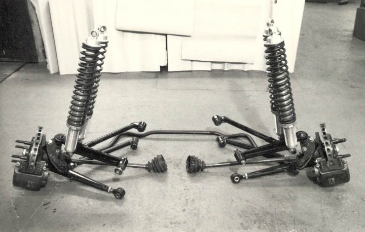 The RS200 front drivetrain with double shock absorbers fitted.