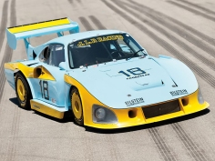 The JLP-3 Porsche 935.