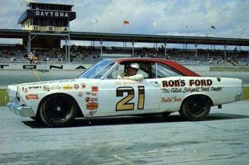 Cale Yarborough 1967, Wood Brothers Racing.