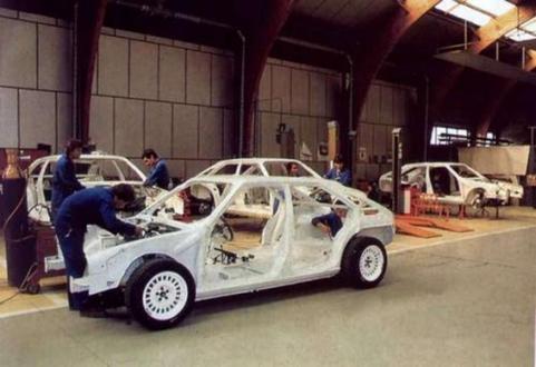 "The Citroën BX 4TC ""Série 200"" on the Heuliez assembly line."