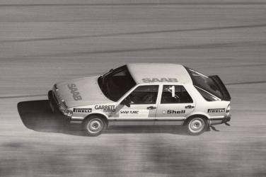 The Saab 9000 Turbo at Speed.