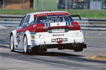 Nannini flying through the Diepholz chicane.